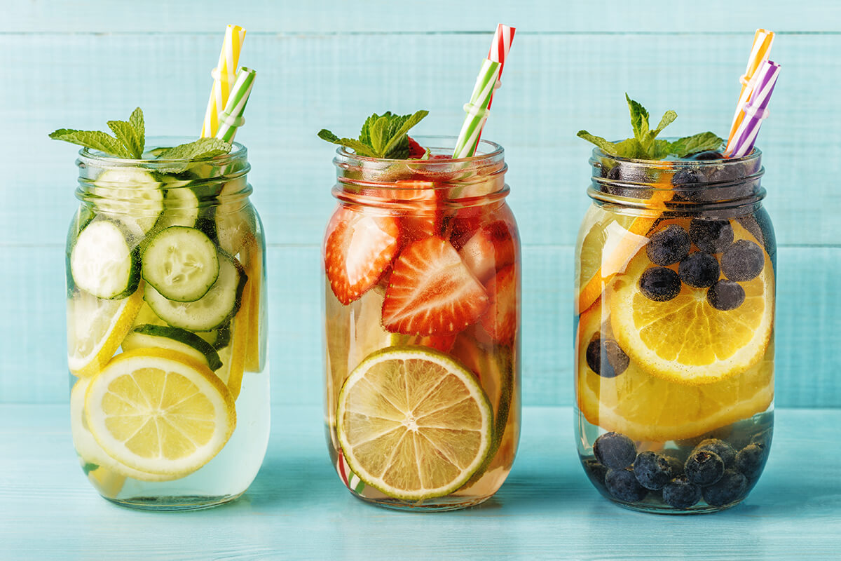 Zdravé osvěžující nápoje pomohou dodržet pitný režim